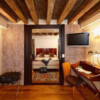 Hotel Saturnia & International Living Area