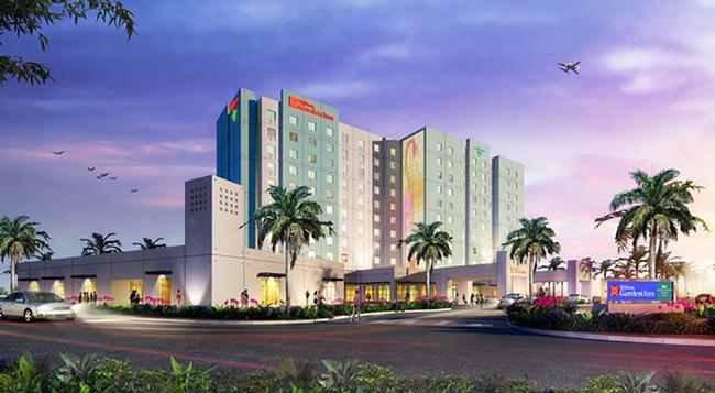 Hilton Garden Inn Miami Dolphin Mall - Miami - Building
