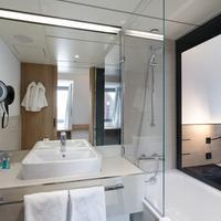 Sorat Hotel Saxx Nürnberg Bathroom