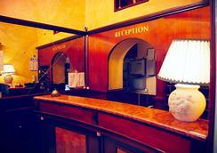 Hotel Tre Stelle - โรม - แผนกต้อนรับส่วนหน้า