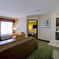 Country Inn & Suites Cedar Rapids North, IA Guest room