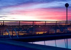 Expo Hotel Valencia - วาเลนเซีย - สระว่ายน้ำ