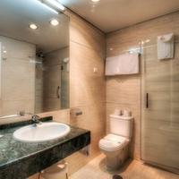 Hotel Puertobahia & Spa Bathroom