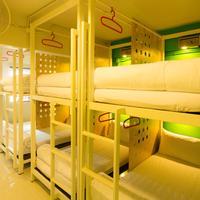 Oyes Hostel Guestroom