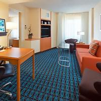 Fairfield Inn and Suites by Marriott Denver Cherry Creek Guest room