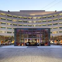 Eurostars Grand Marina Hotel Front