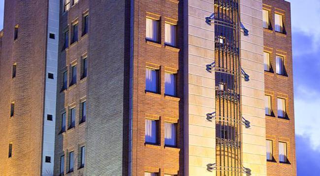 Exe Santafé Boutique Hotel - Bogotá - Building