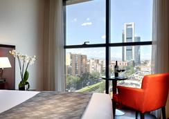 Hotel Via Castellana - มาดริด - ห้องนอน