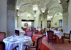 Monasterio De San Miguel - เอล ปูเอโต เดอ ซานตา มาเรีย - ร้านอาหาร