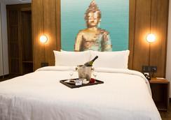 Ikonik Hotel Puebla - ปูเอบลา - ห้องนอน