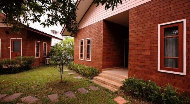 Gongkaew Huenkum - Hostel - Chiang Mai - Building