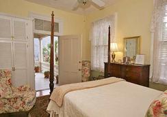 The Ashley Inn - ชาร์ลสตัน - ห้องนอน