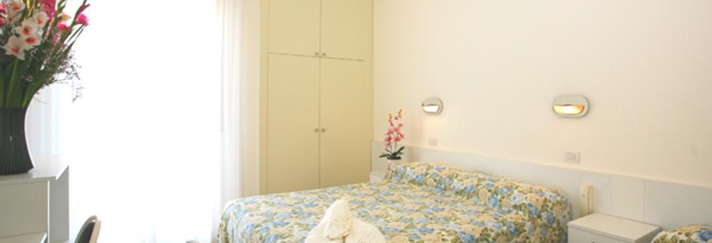 Hotel Confort - Rimini - Bedroom