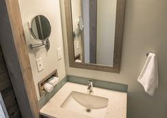 816 Hotel Kcexperience - แคนซัสซิตี้ - ห้องน้ำ