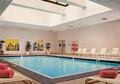Denver Marriott City Center - เดนเวอร์ - สระว่ายน้ำ