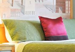 Ponce De Leon Hotel - เซนต์ปีเตอร์สเบิร์ก - ห้องนอน