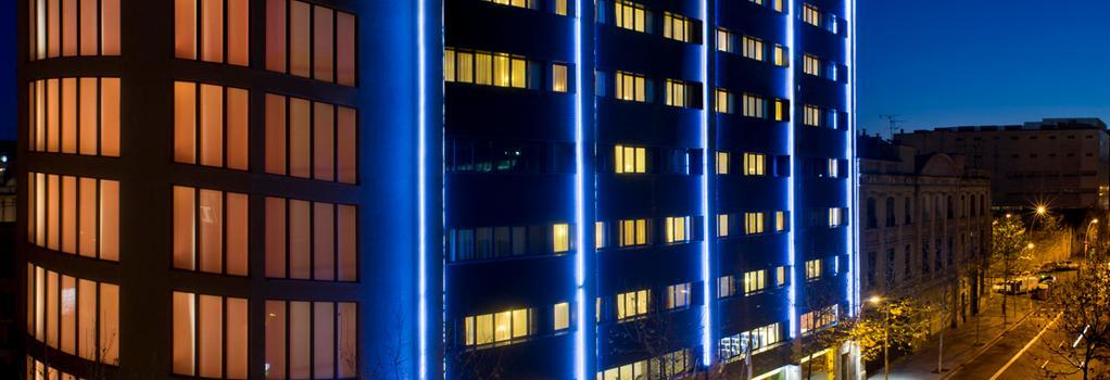 Salles Hotel Pere IV - Barcelona - Building