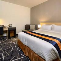 Pacific Express Hotel Guestroom
