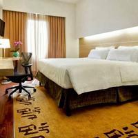Hilton Garden Inn Rome Claridge Guestroom
