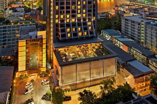 โรงแรมดับเบิ้ลทรี ฮิลตัน สุขุมวิท กรุงเทพฯ - กรุงเทพมหานคร - อาคาร