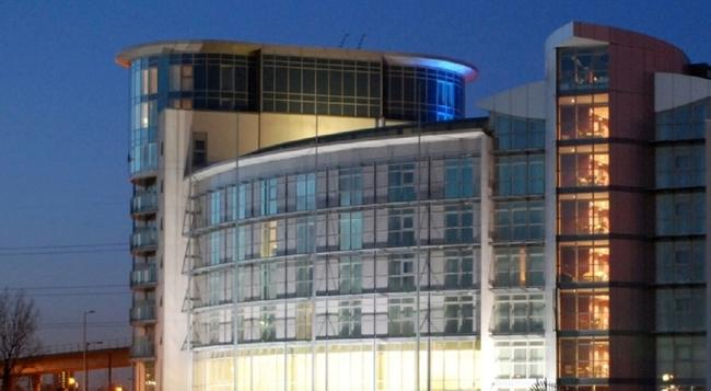 DoubleTree by Hilton Hotel London ExCel - London - Building