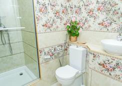 Dom Kumovicha - เซนต์ปีเตอร์สเบิร์ก - ห้องน้ำ
