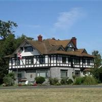 Dashwood Manor Seaside Bed & Breakfast 1912 historic manor house.