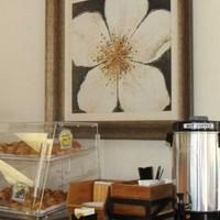 Anaheim Maingate Inn Breakfast Area