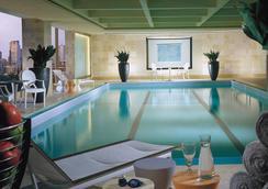 Four Seasons Hotel Boston - บอสตัน - สระว่ายน้ำ