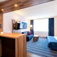 Holiday Inn Express Bremen Airport Guestroom