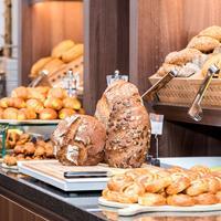 Holiday Inn Express Bremen Airport Breakfast Area