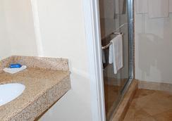Western Inn Houston - ฮุสตัน - ห้องน้ำ