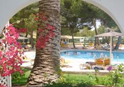 Club Cala Pada - ซานตา อูลาเรีย เดส รีอู - สระว่ายน้ำ