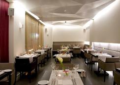 O&B Athens Boutique Hotel - เอเธนส์ - ร้านอาหาร