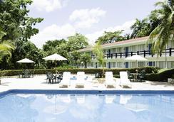 Mision Palenque - ปาเลงก์ - สระว่ายน้ำ