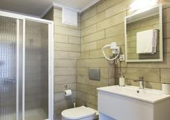 MB City Hotel - อิซเมียร์ - ห้องน้ำ