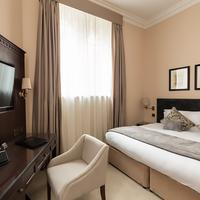 St Paul's Hotel Guestroom