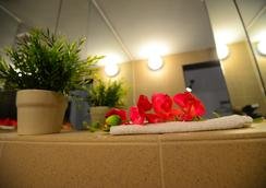 Hotel Biscuit - คลูช นาโปกา - ห้องน้ำ