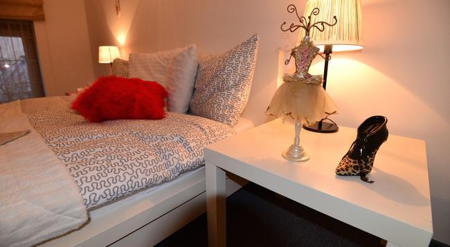 Hotel Biscuit - Cluj Napoca - Bedroom