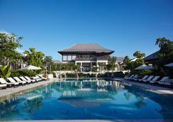 The Island House - แนสซอ - สระว่ายน้ำ