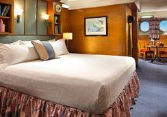 The Queen Mary - ลองบีช - ห้องนอน