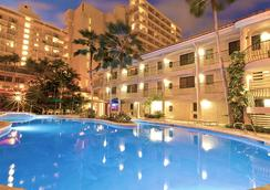 Waikiki Sand Villa - ฮอนโนลูลู - สระว่ายน้ำ