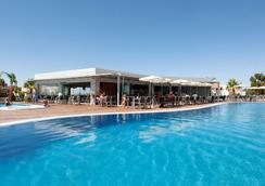 Hotel Apartamento Balaia Atlantico - อัลบูเฟย์รา - สระว่ายน้ำ
