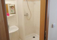 Hotel Jizera Karlovy Vary - การ์โลวี วารี - ห้องน้ำ