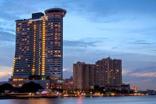 โรงแรมมิลเลนเนียม ฮิลตัน กรุงเทพฯ - กรุงเทพมหานคร - อาคาร