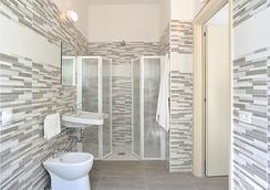 Hotel Tiberius - ริมินี - ห้องน้ำ