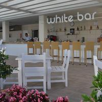 Baia Lara Hotel Poolside Bar