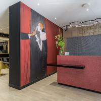 Hotel Les Bulles De Paris Reception