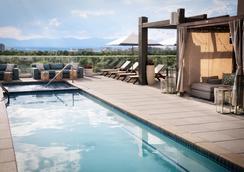 Halcyon - a hotel in Cherry Creek - เดนเวอร์ - สระว่ายน้ำ