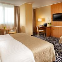 Orea Hotel Pyramida Guestroom